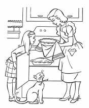 Мама и дочка пекут пирог