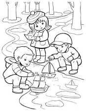 Дети пускают кораблики