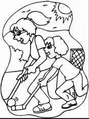 Мама и дочка играют в хоккей