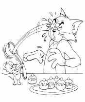 Том и Джерри с пирожными